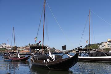 Puerto de Ribeira y rabelos río Duero Oporto