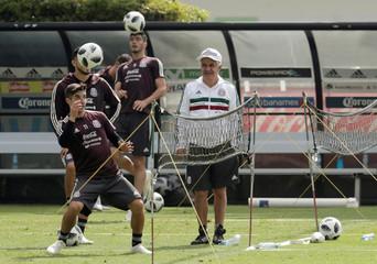 Football Soccer - Mexico's national soccer team training