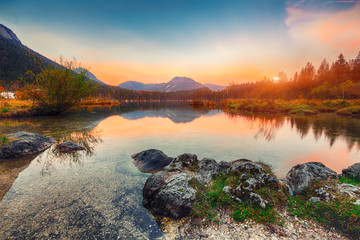 Photo sur Aluminium Gris traffic Fantastic autumn sunset of Hintersee lake