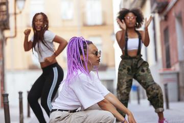 african american women dancing hip hop Wall mural