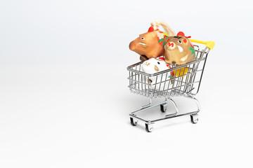 ショッピングカートと猪