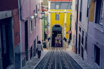 Strade e colori di Lisbona
