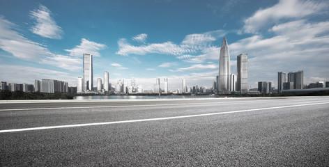 Fotomurales - empty asphalt highway with modern cityscape in shenzhen