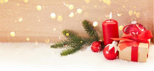 Erster Advent mit Kerze vor Weihnachten