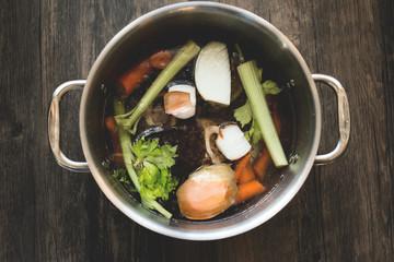 Bone broth food preparation