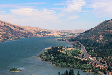 Beautiful landscape scenery. view from rowena crest viewpoint in the columbia river gorge. travel oregon.