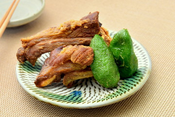 豚スペアリブの唐揚げ