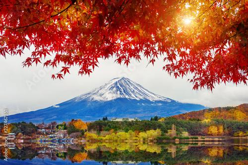 Poster Autumn Season and Mountain Fuji at Kawaguchiko lake, Japan.