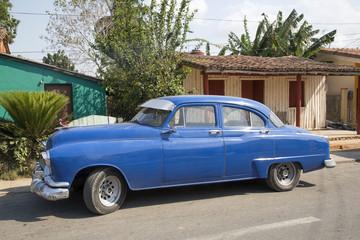 Türaufkleber Autos aus Kuba Schöner blauer Oldtimer auf Kuba (Karibik)