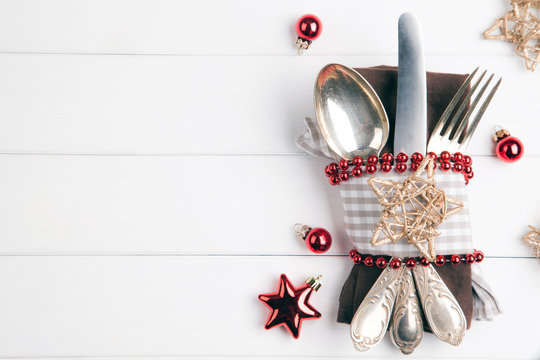 Weihnachten Essen Weihnachtsessen Hintergrund mit Besteck und Serviette