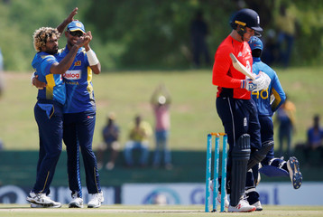 Cricket - Sri Lanka v England - Second one-day international
