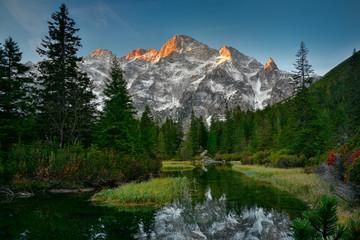 Foto auf Gartenposter Gebirge Tatra mountain peaks in the morning