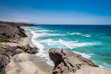 Wakacyjne zdjęcia z Wysp Kanaryjskich. Przepiękne widoki wybrzeża.