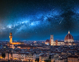 Photo sur Plexiglas Lieu d Europe Milky way and falling stars over Florence at night, Italy