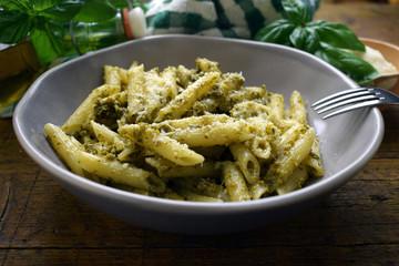 Penne al pesto genovese Cucina italiana Ligure Italian cuisine pasta ft81070586