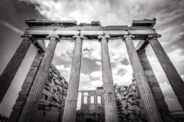 Fototapete - Erechtheion temple on the Acropolis, Athens, Greece