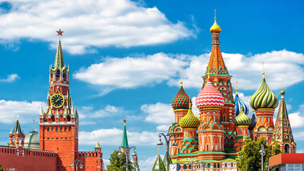 Fototapete - Moscow Kremlin and St Basil's Cathedral on the Red Square