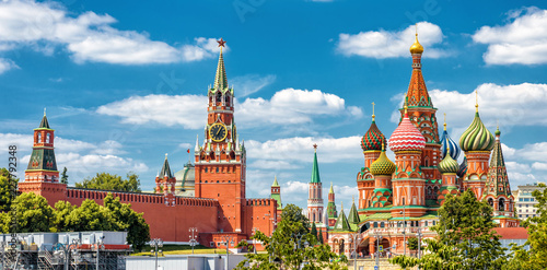 Fototapete Moscow Kremlin and St Basil's Cathedral on the Red Square in Moscow