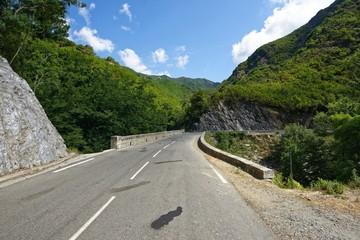 Frankreich - Korsika - Straße in der Castagniccia Berglandschaft