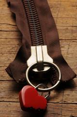 ft81014569 heart shaped padlock