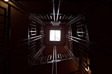 cage d'escalier vers le ciel Fotobehang