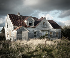 Creepy haunted bandoned house in rural Nova Scotia