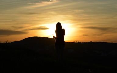 moça contra o sol