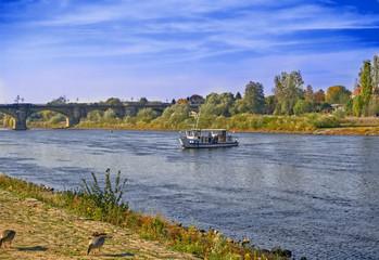 Fähre beim  übersetzen auf der Elbe, Pirna - Lohmen,Elbsandsteingebirge