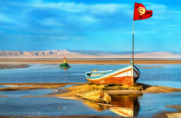 Poster Tunesië Boat on Chott el Djerid, a dry lake in Tunisia