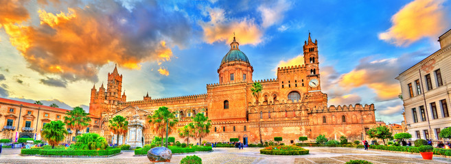 Papiers peints Palerme Palermo Cathedral, a UNESCO world heritage site in Sicily, Italy