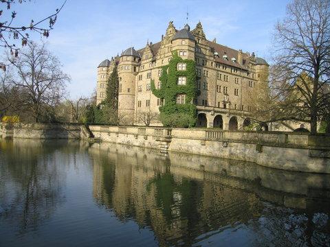 Wasserspiegelung Schloss Neuenstein Renaissance
