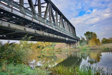 Brücke über Fluß