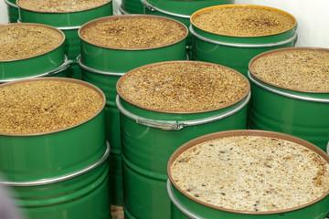 Metallic barrels with unfiltered honey