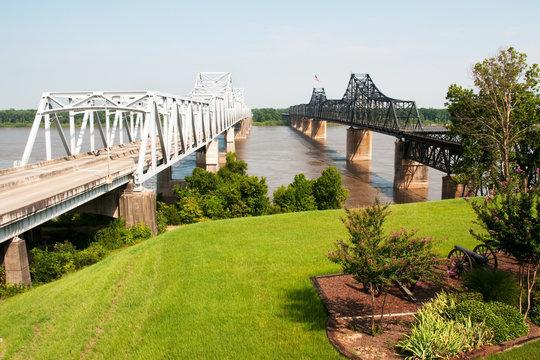 Interstate 20 bridge over Mississippi River at Vicksburg, MS