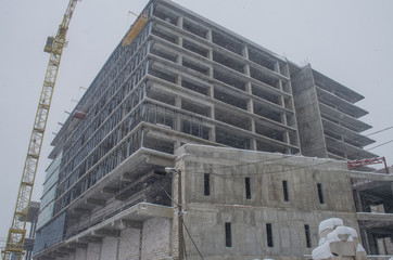 building construction in winter