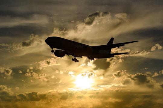 夕日と飛行機 成田空港