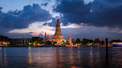 Wat Arun Temple at twilight