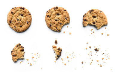 Stores à enrouleur Biscuit Steps of chocolate chip cookie being devoured. Isolated on white background.