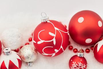 Christbaumkugel Hintergrund zu Weihnachten