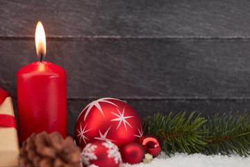 Kerze zu Weihnachten oder Erster Advent