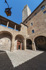 Fototapete - Exterior of historical building in San Gimignano, Tuscany, Italy