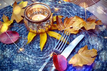 Herbst - gedeckter Tisch - Tischdekoration im Herbst