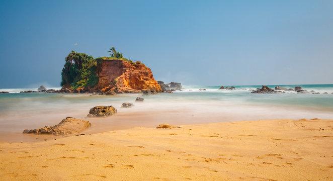 Mesmerizing Parrot Rock at Mirissa beach, Sri Lanka
