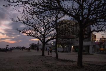沖縄の夕方の海空