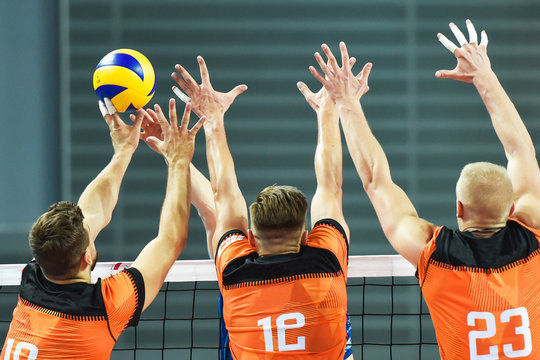 Triple block in men volleyball