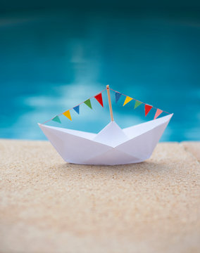 Pool-Party Paper Boat
