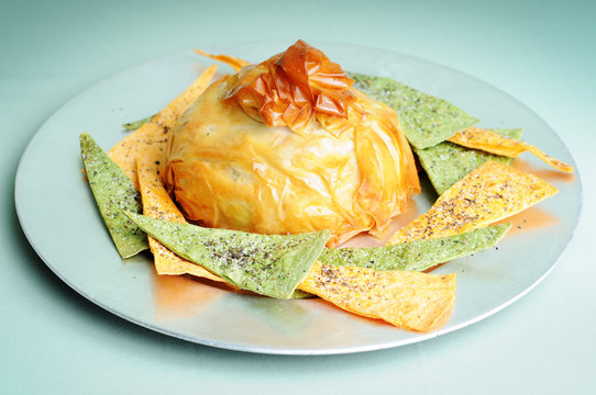 Baked Brie Crabmeat with Pita Chips