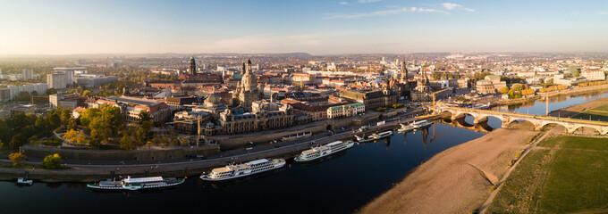 Panorama der Elbe, Blick zur Inneren Altstadt Dresden