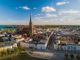 Blick über den Pfaffenteich zum Schweriner Dom