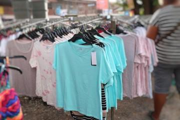 t shirt shop in market
